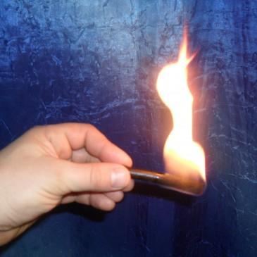 Разжигатель для костра нужен всегда   The instigator for a fire is always needed